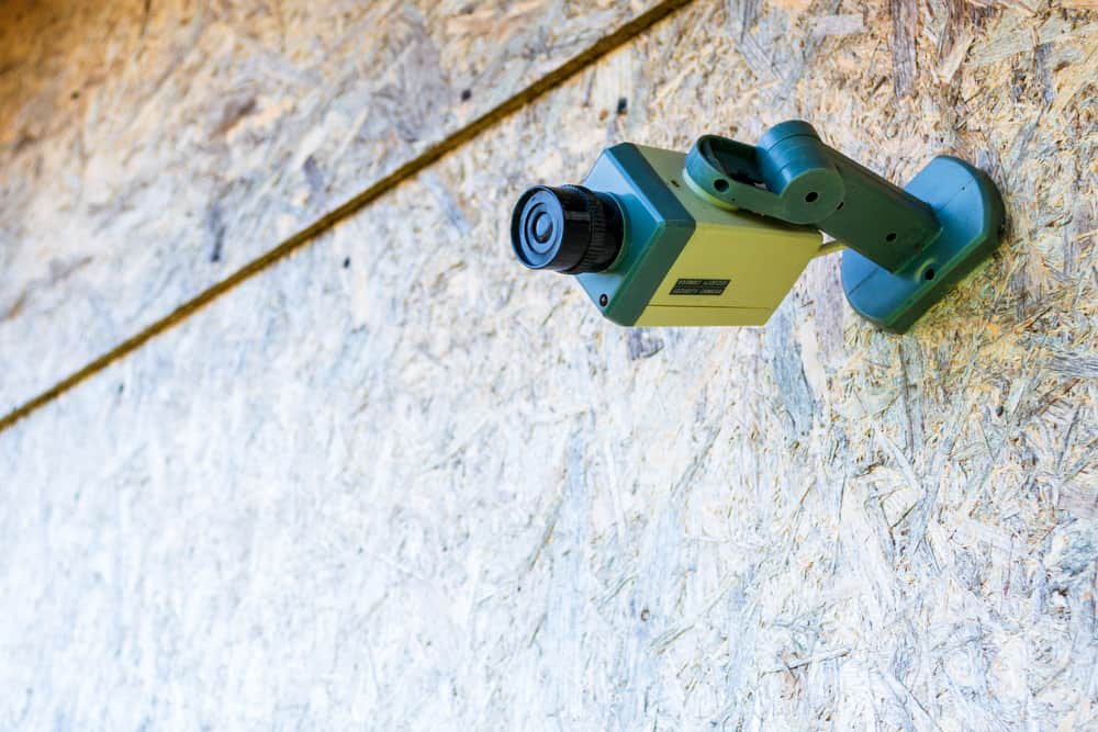 6 (Real Ways) On How To Spot A Fake Security Camera