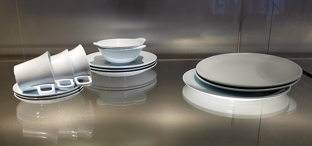 Is Melamine Dishwasher Safe? Myths, Tips & Tricks To Remember